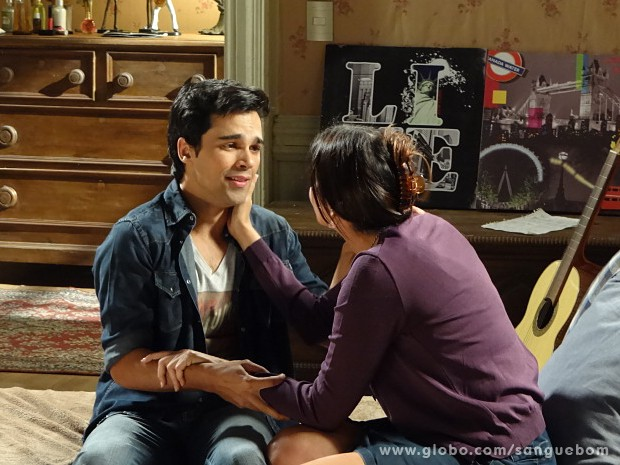 Rosemere diz que ama o filho acima de tudo (Foto: Sangue Bom / TV Globo)