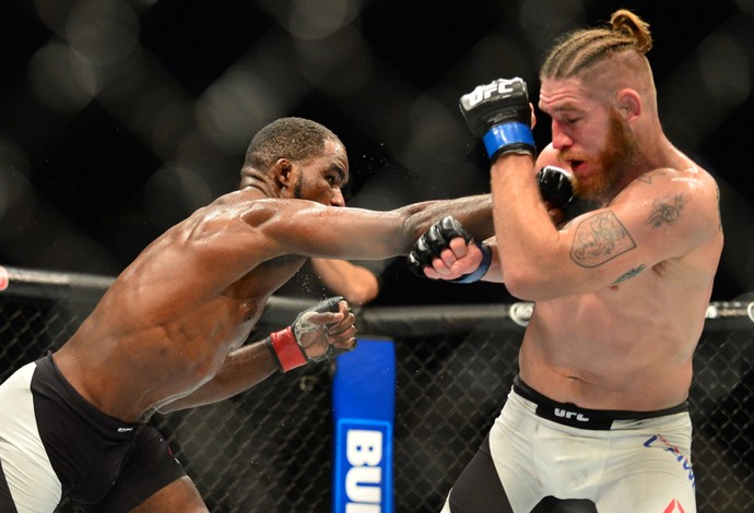 Corey Anderson Tom Lawlor UFC 196 (Foto: Jason Silva)