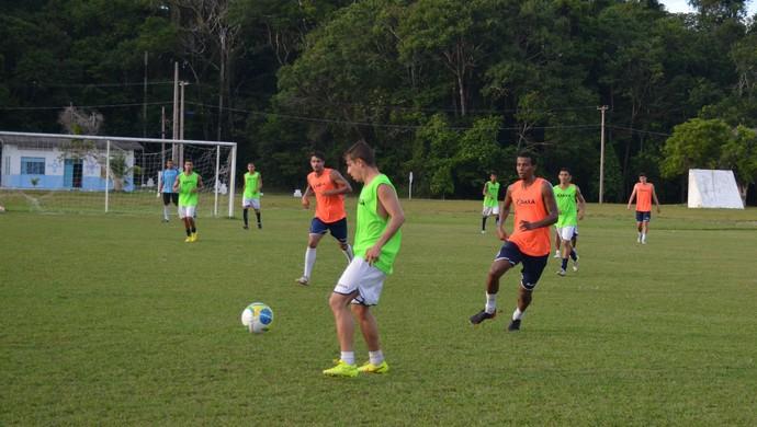 São Francisco treino bec (Foto: Weldon Luciano/GloboEsporte.com)