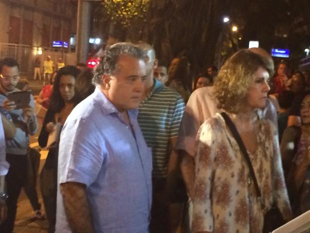 Toni Ramos chega para o velório (Foto: Daniel Silveira / G1)