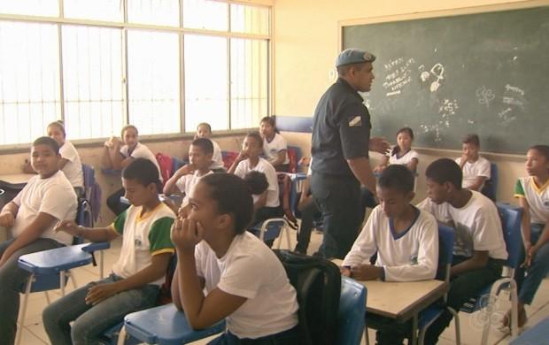 Ensino militar é implantado em escolas de Boa Vista (Foto: Roraima TV)