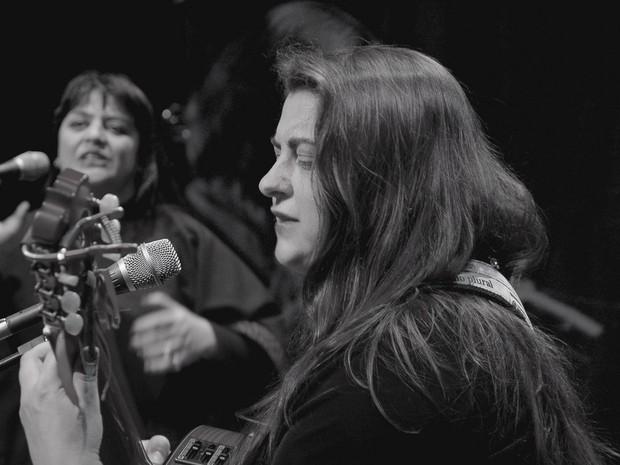 AVEduo fará show de tributo a Mercedes Sosa na terça-feira (19) (Foto: Divulgação / Fundação Cultural de Curitiba)