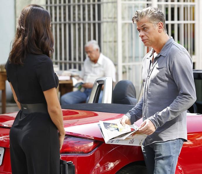 Arthur procura Carol após ler matéria na TD+ (Foto: Raphael Dias/Gshow)