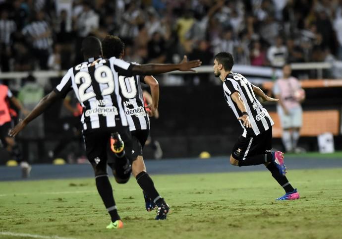 Rodrigo Pimpão comemoração gol Botafogo x Estudiantes Libertadores 2017 (Foto: André Durão)