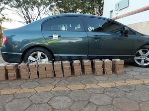 Veículo foi apreendido com caixas já endereçadas em Paracatu, MG (Foto: Delegacia de Combate ao Tráfico de Drogas/Arquivo pessoal )