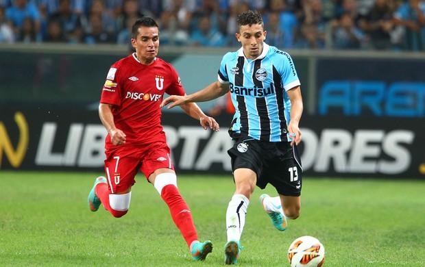 Alex Telles foi titular na vitória sobre A LDU (Foto: Lucas Uebel/Grêmio FBPA)