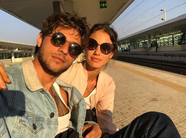 Chay e Laura em Portugal (Foto: Reprodução Instagram)