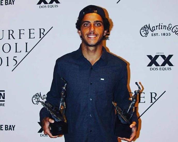 Filipe Toledo, surfe, premiação (Foto: Reprodução Facebook)