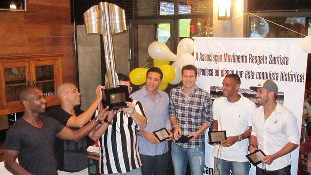 Alexandre, Michel, Alberto, Julio Sergio, Wellington e Douglas - Santos 2002 (Foto: Marcelo Hazan / globoesporte.com)