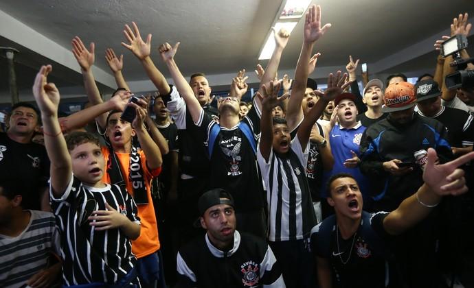 torcedores corinthians título (Foto: Daniel Teixeira / Estadão Conteúdo)