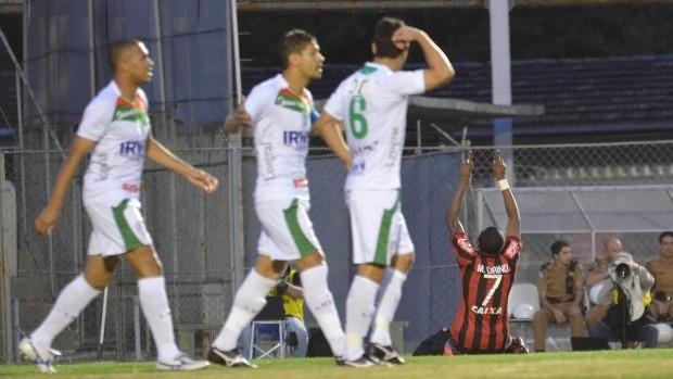 Marcelo gol Atlético-PR Portuguesa (Foto: Gustavo Oliveira/Site Oficial do Atlético-PR)