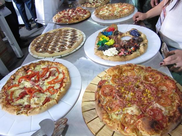 Expo Pizza trouxe novidades em tecnologia para a produção das guloseimas e diferentes combinações de ingredientes para fiscar os clientes (Foto: Marta Cavallini/G1)