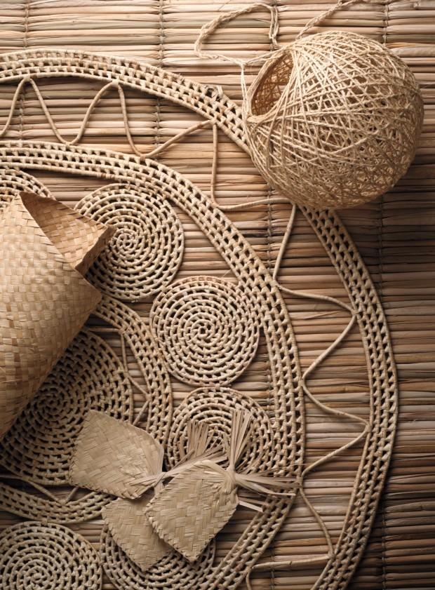 Objtos artesanais de palha (Foto: Iara Venanzi / Editora Globo)