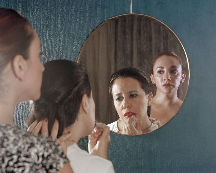 """Mulheres são forçadas a ficarem mais """"femininas"""" (Foto: Paola Paredes)"""