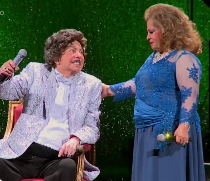 Cauby Peixoto e Angela Maria comemoraram 60 anos de carreira no palco do Theatro Municipal (Foto: TV Globo)