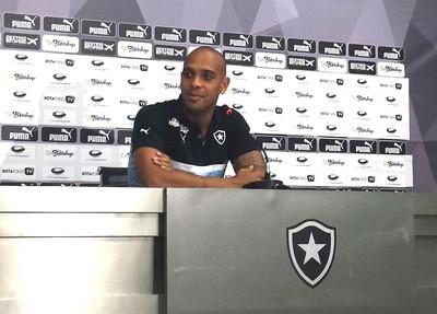 Tassio Coletiva Botafogo (Foto: Sofia Miranda)