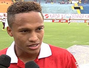 Soares, atacante do Vila Nova (Foto: Reprodução/TV Anhanguera)