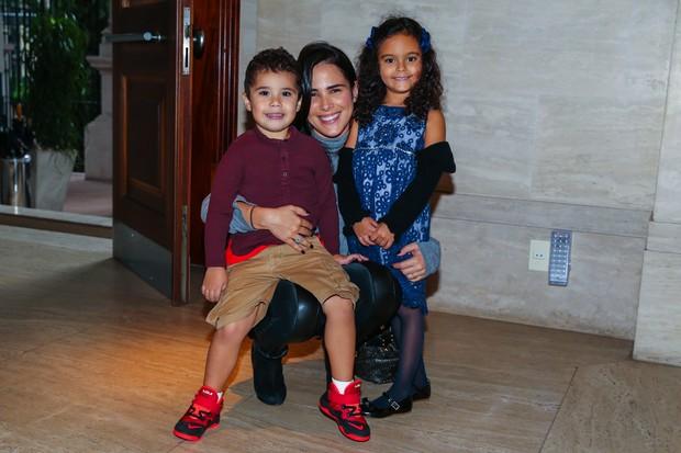 Wanessa com o filho Jose Marcus e a sobrinha Maria Eduarda (Foto: Manuela Scarpa / Photo Rio News)