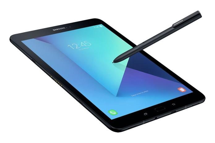 Galaxy Tab S3 foi aprimorado para uso com vídeos e jogos. (Foto: Reprodução/Samsung)
