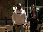 Luana Piovani passeia com a família em shopping no Rio