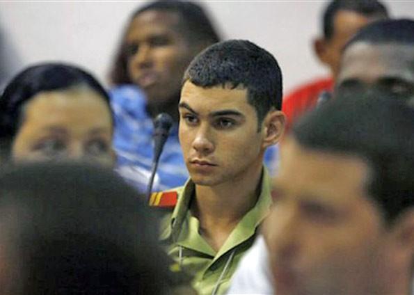 Elián Gonzalez durante congresso de jovens comunistas em Cuba em 2010 (Foto: Arquivo/AFP)