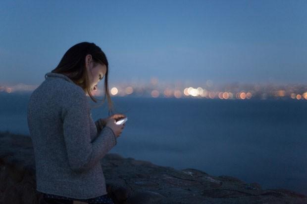 Vídeo lento cria estresse em dono de smartphone similar à de filme de terror, aponta estudo da Ericsson. (Foto: Divulgação/Ericsson)
