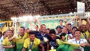 Cuiabá campeão mato-grossense 2014 (Foto: Robson Boamorte)