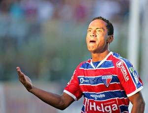 Waldison, atacante do Fortaleza (Foto: Rodrigo Carvalho / Ag. Diário)
