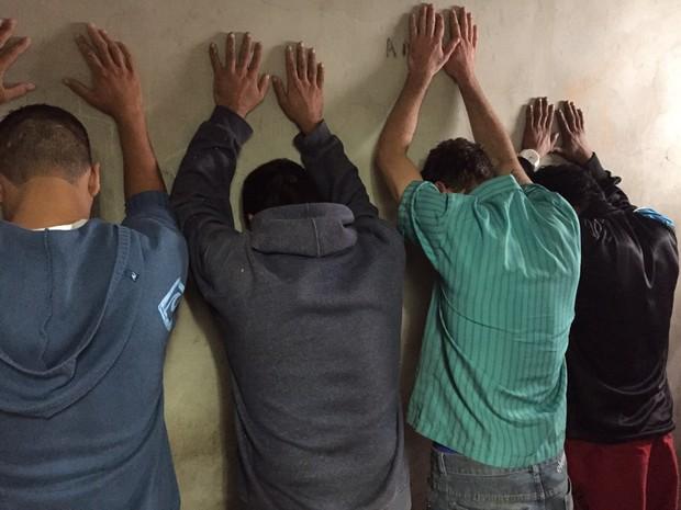Grupo foi preso em São Leopoldo por suspeita de roubos de carro e assaltos (Foto: Divulgação/Polícia Civil)