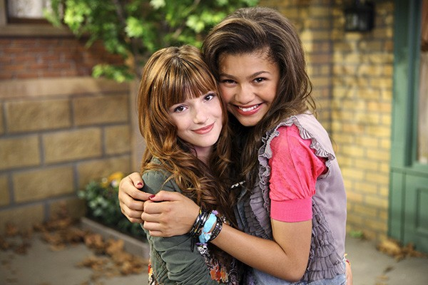 Bella Thorne e Zendaya (Foto: Divulgação / Shake It Up)