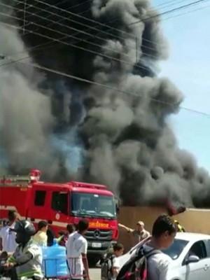 Chamas foram controladas pelo Corpo de Bombeiros (Foto: Reprodução/TV Cabo Branco)