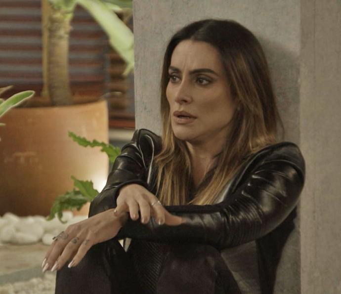 Tamara fica descontrolada após perceber um clima entre Apolo e Tancinha (Foto: TV Globo)