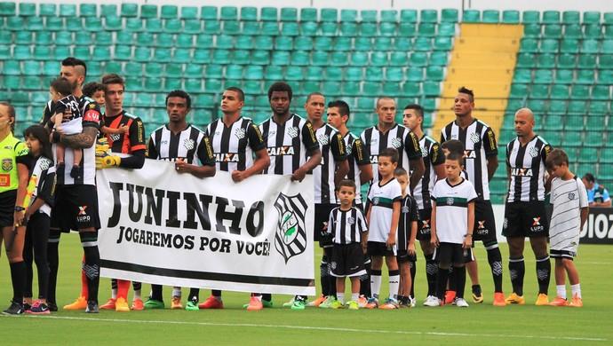 Figueirense força juninho (Foto: Luiz Henrique/Figueirense FC)