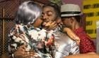 Astro é clicado beijando outra mulher; é hoje! (divulgação)
