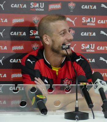 Uillian Correia destaca versatilidade de Patric e qualidade do elenco do  Vitória be30c4f2e00df