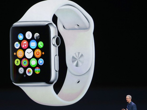 Tim Cook, CEO da Apple, anuncia o Apple Watch (Foto: Justin Sullivan/Getty Images/AFP)