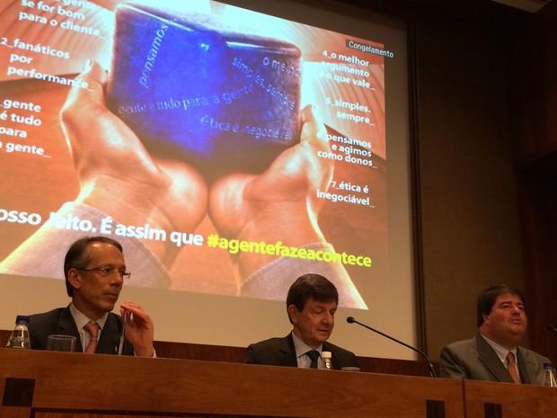 Anúncio foi feito por Setúbal (centro), Moreira Salles (direita) e Bracher (Foto: Darlan Alvarenga/G1)