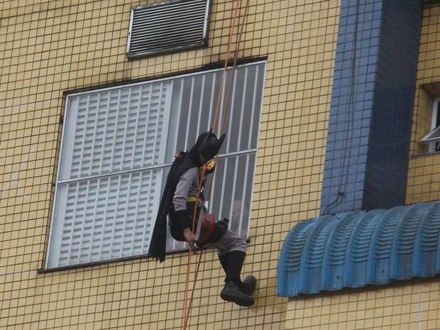 Batman também participou da ação em Joinville (Foto: Monique Moreira/Divulgação)
