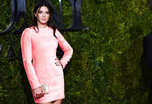 Kendall Jenner e mais estrelas top te ensinam como se vestir na night (Foto: Getty Images )