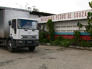 Matadouro Público Pedro de Souza, em Caruaru (Foto: Reprodução/ TV Asa Branca)