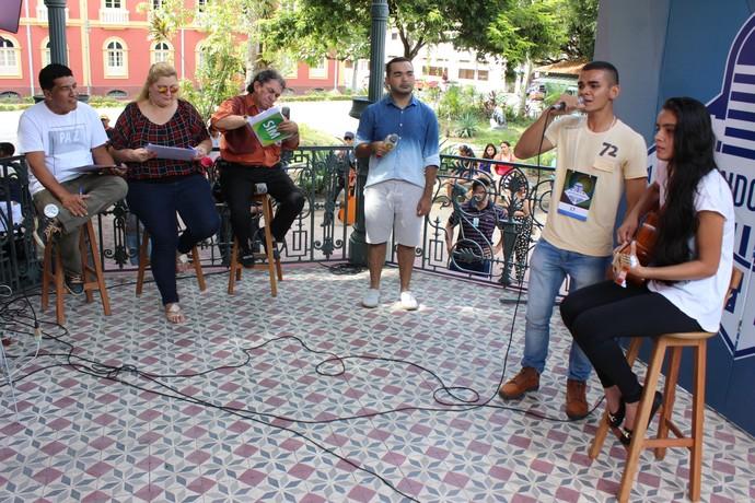 Afinação e presença de palco foram alguns dos critérios usados na seletiva (Foto: Katiúscia Monteiro/ Rede Amazônica)