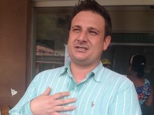 Médico atendeu Gustavo e afirma que ele sofreu uma lesão neurológica em Santos (Foto: Thais Rozzo / TV Tribuna)