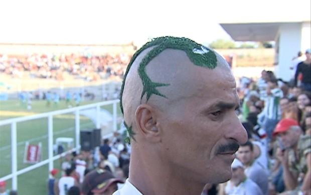 Calango na cabeça  (Foto: Reprodução / TV Asa Branca)