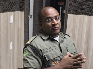 Major John Feitosa revelou que um policial reagiu ao assalto (Foto: Catarina Costa/G1 PI)