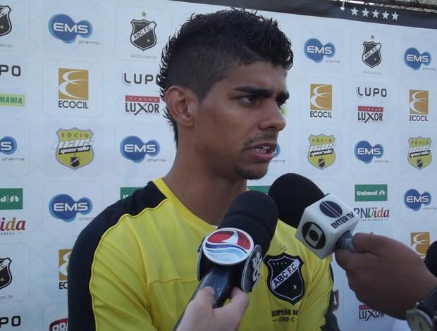 Jean Carioca, meia-atacante do ABC (Foto: Tiago Menezes)