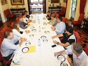 Governador Raimundo Colombo se reuniu com secretários que deixam governo na manhã desta quinta (3) (Foto: James Tavares/Divulgação)