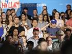 Pai do agressor de Orlando assiste a comício de Hillary na Flórida