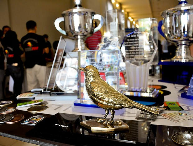 Jogos Abertos do Interior Bauru - troféus e medalhas (Foto: Amanda Rocha/Lettera Comunicação)
