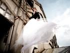 No mês das noivas, Raquel Bertani, de 'Guerra dos Sexos', posa com vestidos de casamento nada óbvios