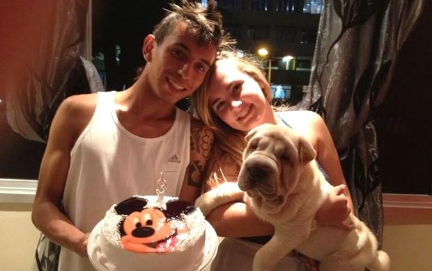 Rafinha, jogador dos juniores do Flamengo, com a noiva Gabrielle (Foto: Arquivo Pessoal)